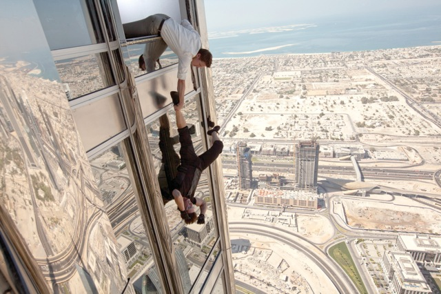 ドバイの世界一高いビルとして知られるブルジュ・ハリファ(全高828メートル)。主人公のイーサンが、このビルの外部から進入する場面が話題を集めている。